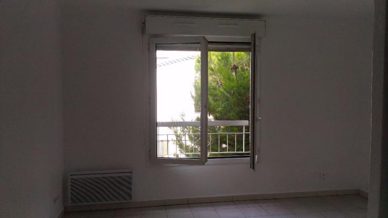 Rental apartment Saint laurent du var 475€ CC - Picture 2