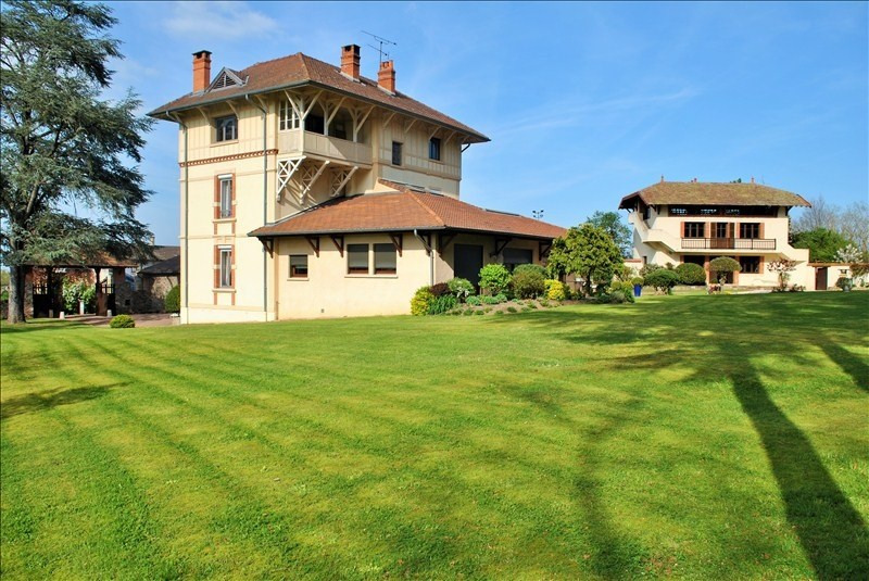 Deluxe sale house / villa Villerest 399 000€ - Picture 4