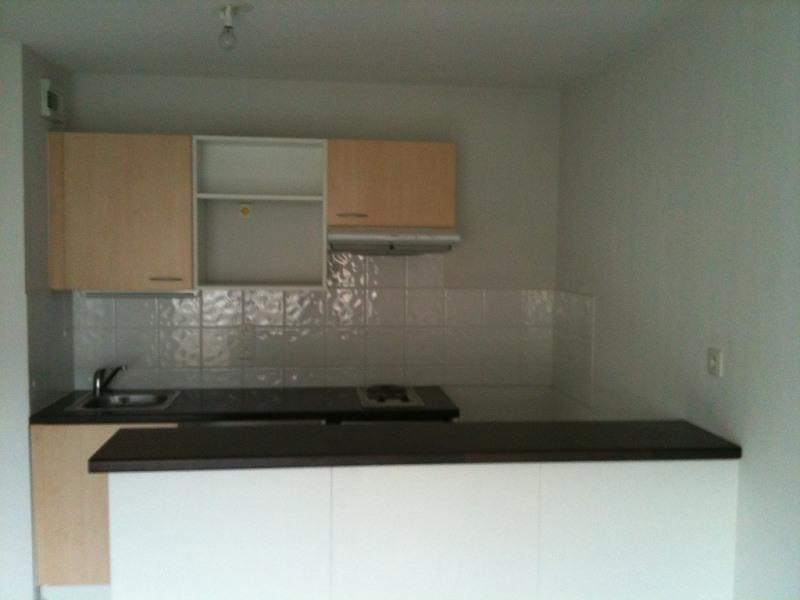 Rental apartment Vetraz-monthoux 729€ CC - Picture 1