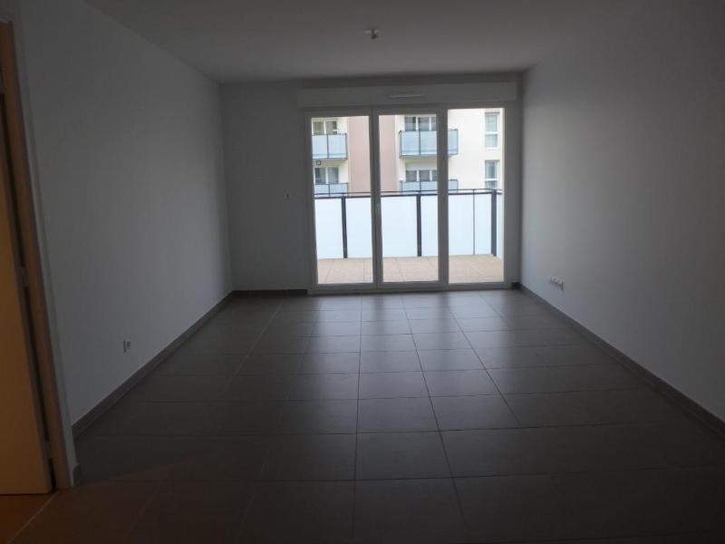 Rental apartment Vernaison 735€ CC - Picture 1