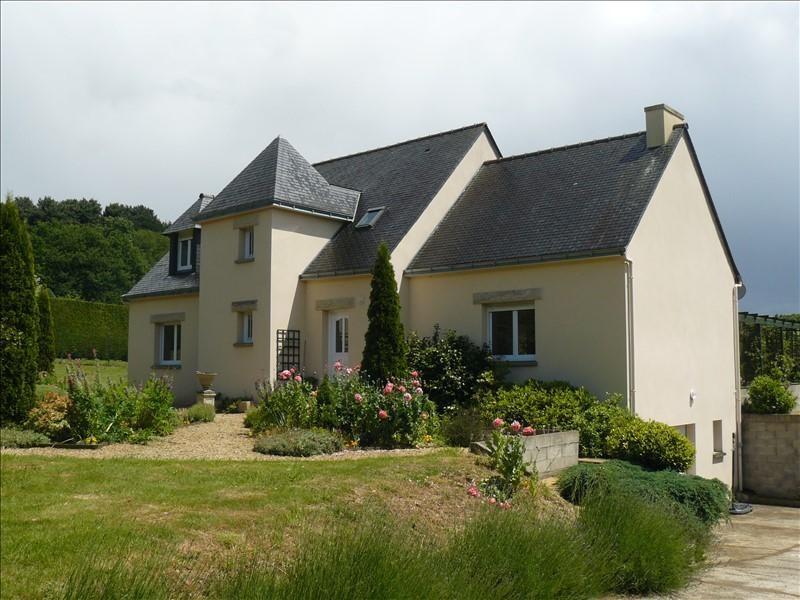 Sale house / villa Josselin 252250€ - Picture 1