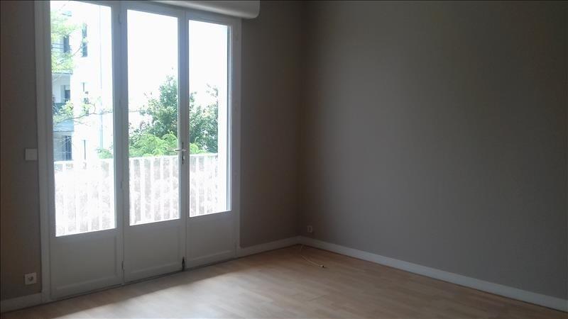 Location appartement Royan 556€ CC - Photo 1