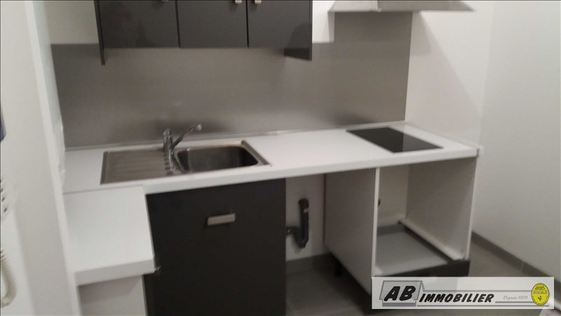 Location appartement Carrieres sous poissy 841€ CC - Photo 4