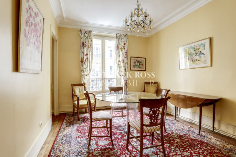 Location appartement Paris 6ème 3 220€ CC - Photo 3