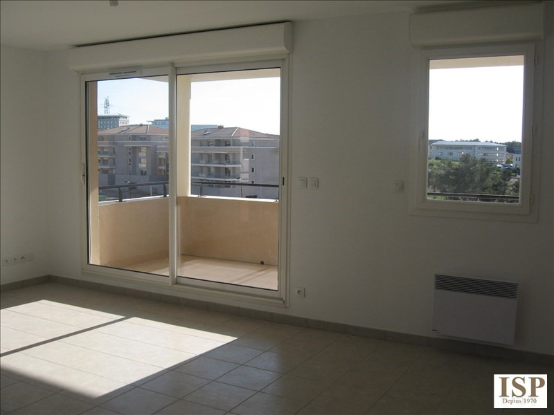 Location appartement Les milles 1139€ CC - Photo 2