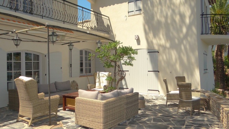 Vacation rental house / villa Cavalaire sur mer 3 500€ - Picture 5