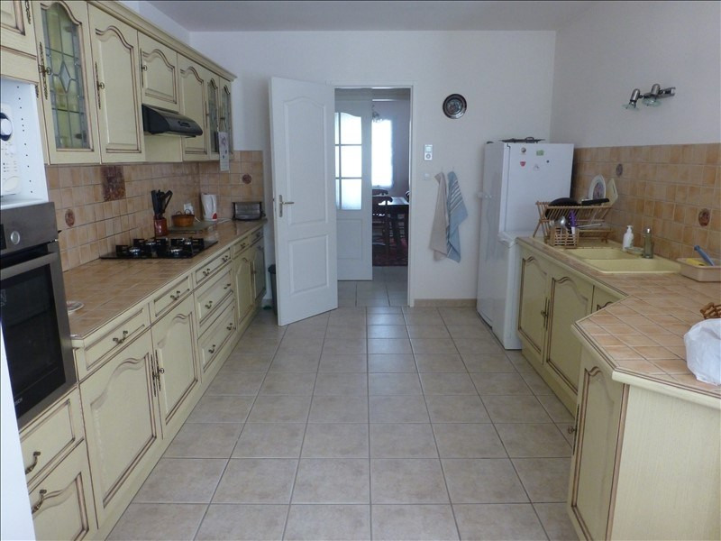 Sale house / villa St jean d angely 342000€ - Picture 5