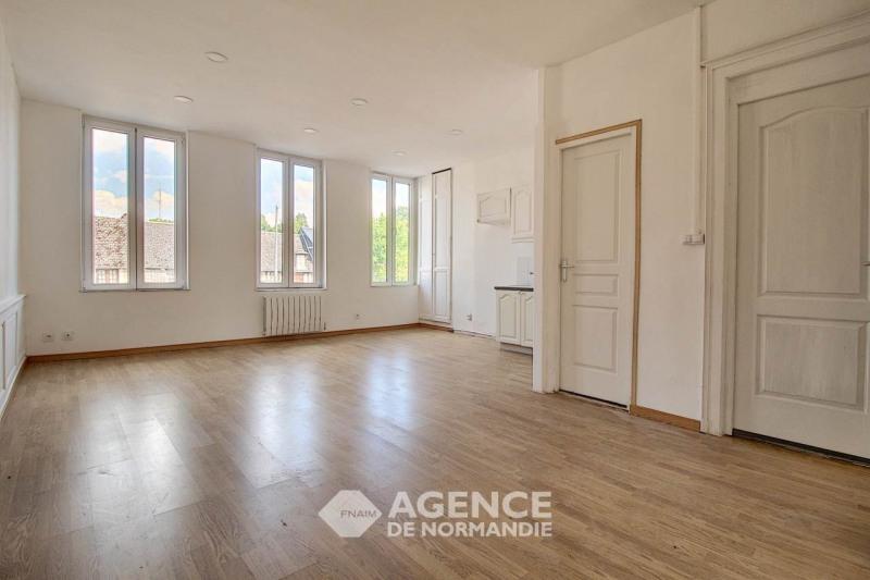 Rental apartment Montreuil-l'argille 355€ CC - Picture 1
