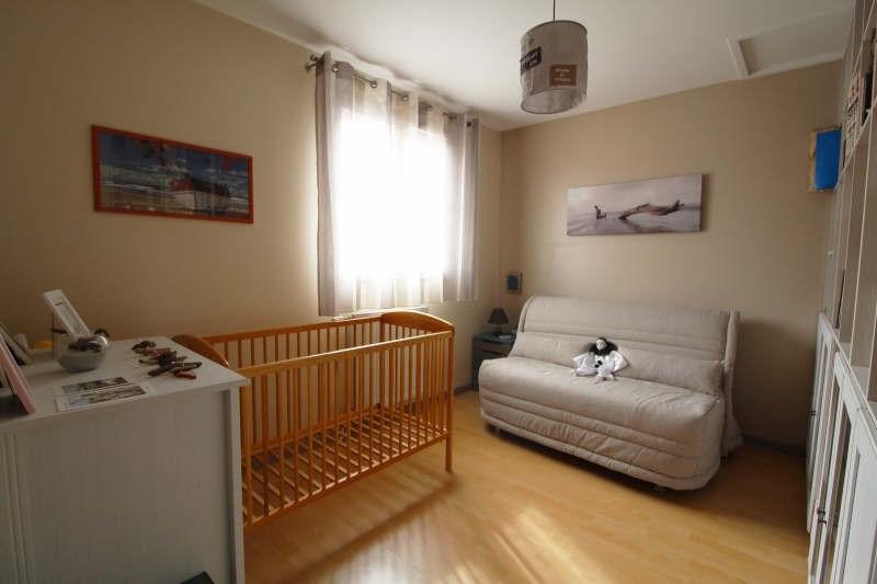 Sale house / villa Maurepas 367500€ - Picture 6