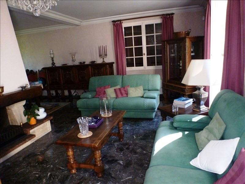 Deluxe sale house / villa Charbonnieres les bains 599000€ - Picture 4