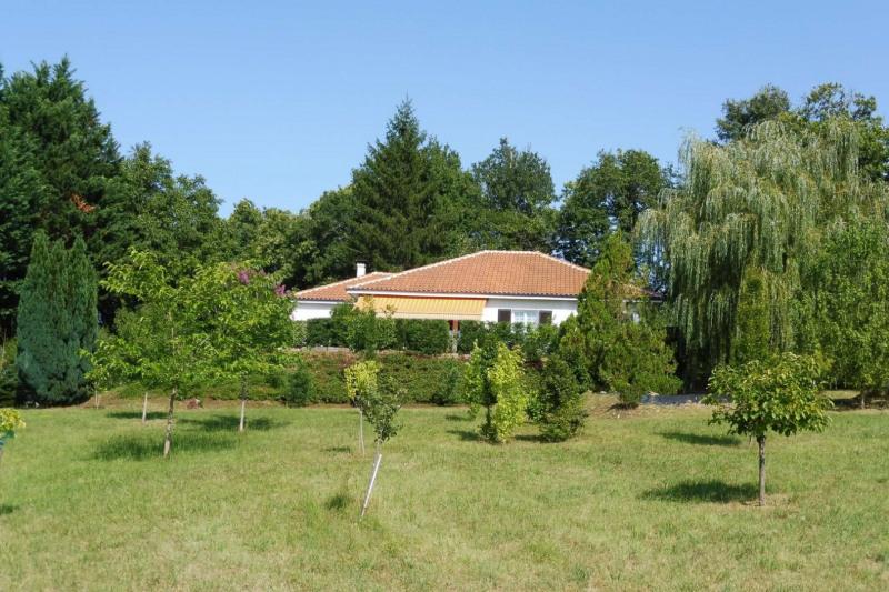 Vente maison / villa Simeyrols 260000€ - Photo 2
