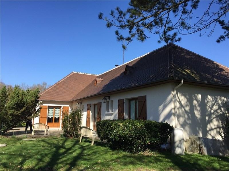 Deluxe sale house / villa Vineuil 392200€ - Picture 1