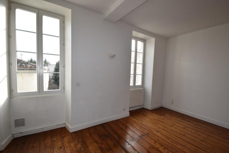 Rental apartment Saintes 606€ CC - Picture 3
