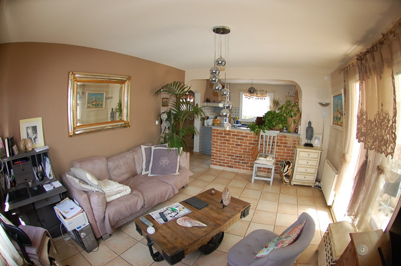 Sale house / villa Six fours 360000€ - Picture 3