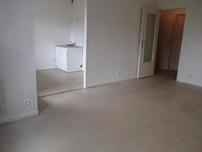 Rental apartment Villefontaine 485€cc - Picture 3
