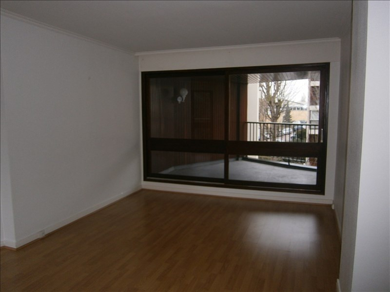 Location appartement Le chesnay 1 352€ CC - Photo 1