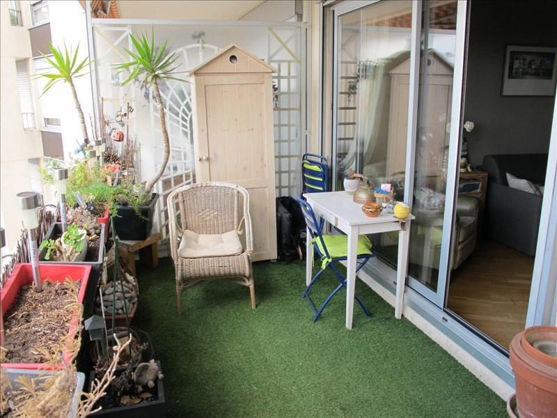 Sale apartment Courbevoie 445000€ - Picture 2