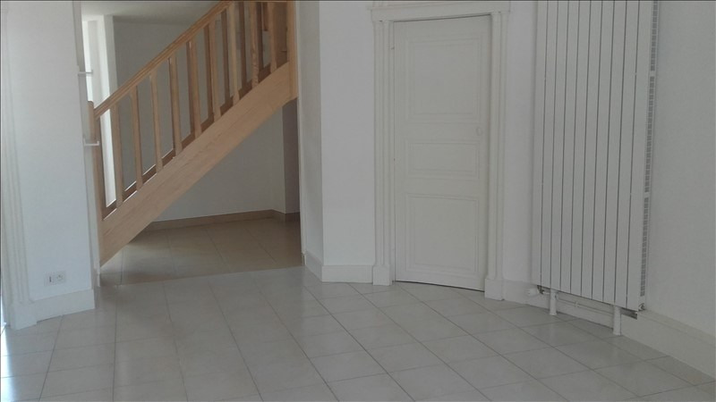 Rental apartment Beaupreau 442€ CC - Picture 2