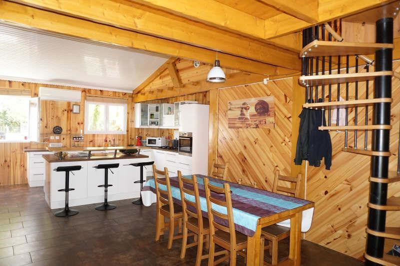 Sale house / villa St yzan de soudiac 232500€ - Picture 2