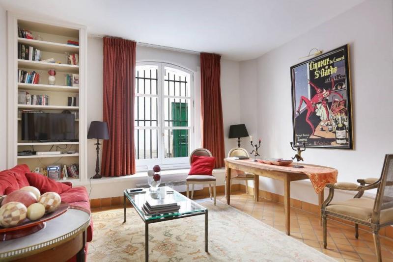 Location appartement Paris 4ème 1650€ CC - Photo 1