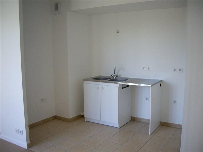 Rental apartment Maisons alfort 860€ CC - Picture 2