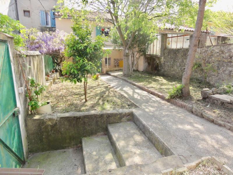 Rental apartment Le beausset 710€ CC - Picture 3