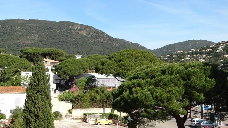 Location vacances appartement Cavalaire 420€ - Photo 1
