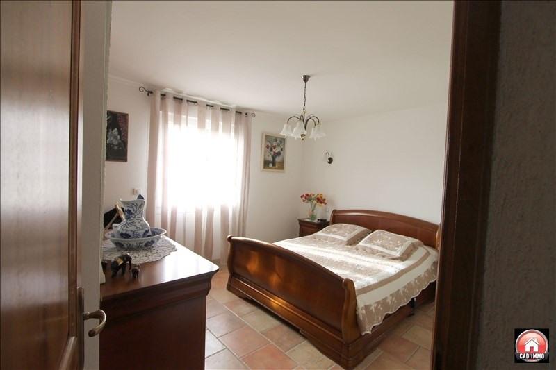 Sale house / villa St jean d eyraud 350000€ - Picture 4