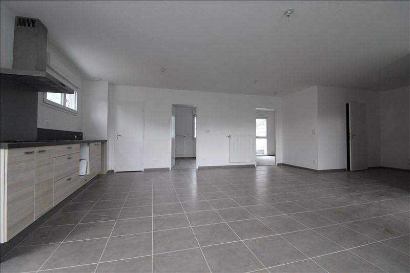 Rental apartment Voiron 785€ CC - Picture 2