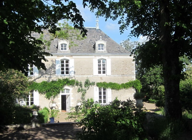 Deluxe sale house / villa Angers 20 mn sud 945000€ - Picture 2