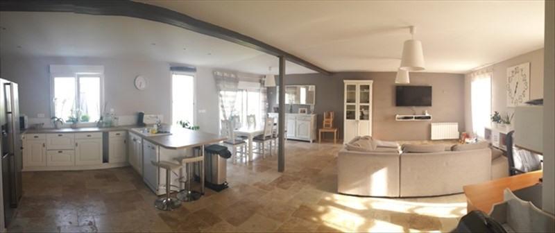 Sale house / villa Montreuil sur epte 222000€ - Picture 2