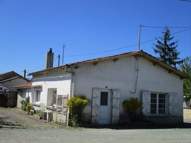 Sale house / villa Loulay 59400€ - Picture 1