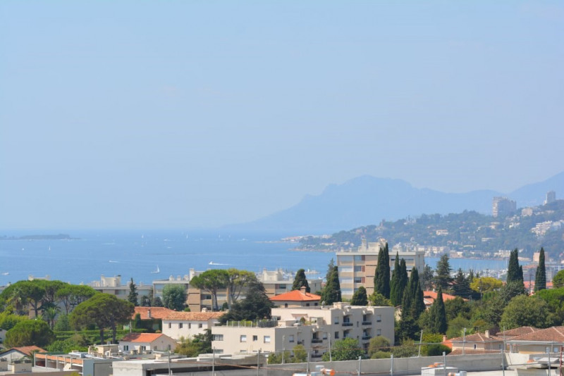 Sale apartment Antibes 300000€ - Picture 2