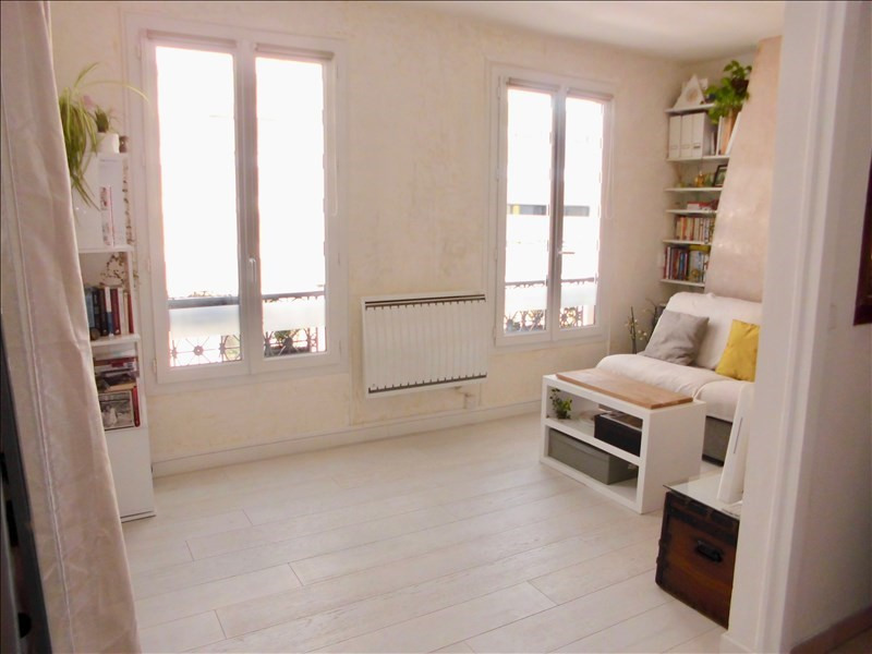 Sale apartment Paris 11ème 300000€ - Picture 1