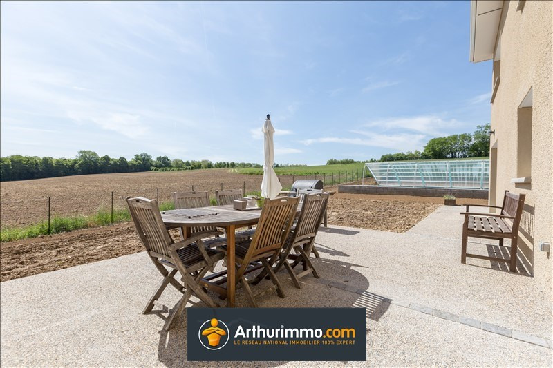 Sale house / villa Morestel 388500€ - Picture 1