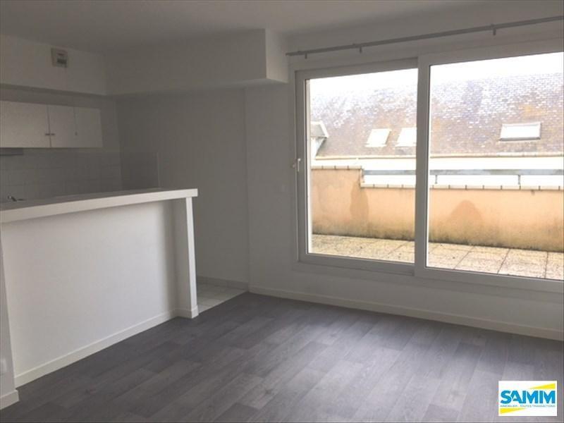 Rental apartment Mennecy 528€ CC - Picture 1