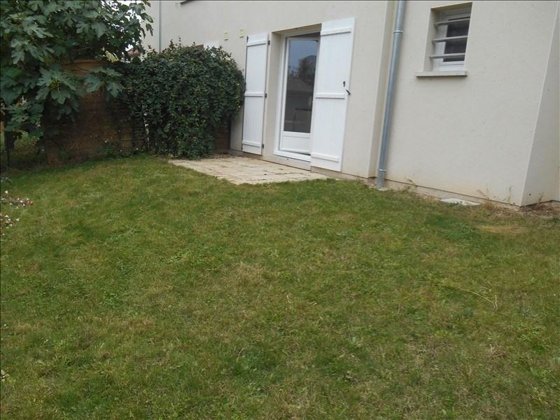 Location maison / villa Breviandes 770€ CC - Photo 9