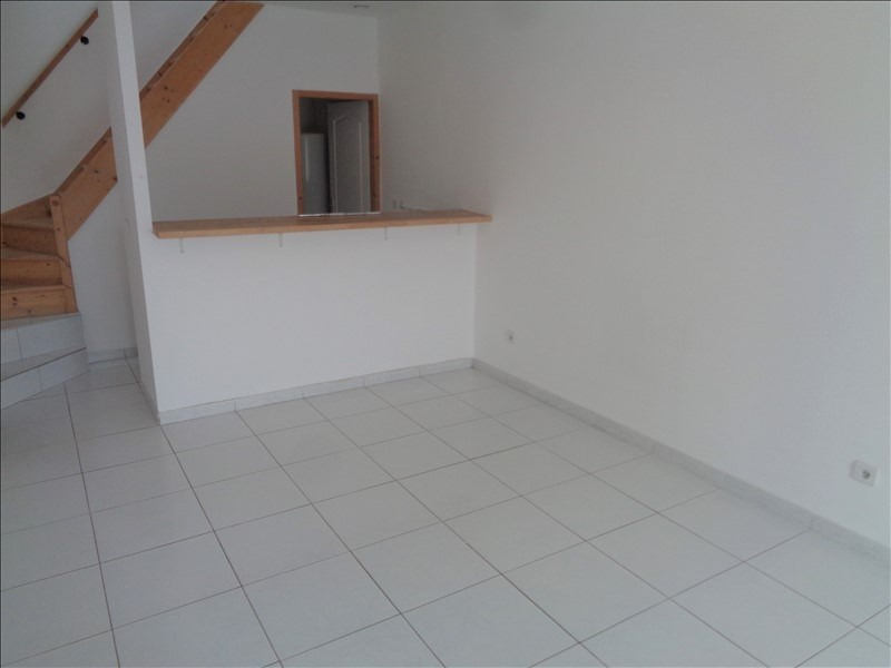 Sale apartment Chaingy 89500€ - Picture 2