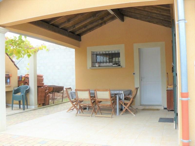 Deluxe sale house / villa Brindas 570000€ - Picture 3