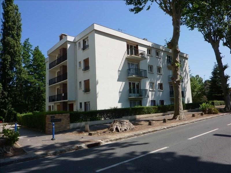 Rental apartment Bures sur yvette 666€ CC - Picture 1