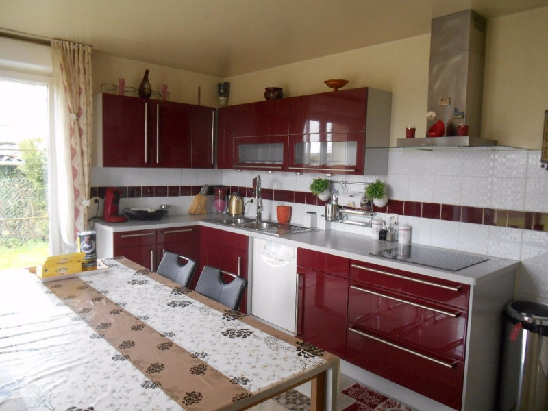 Sale house / villa Breteuil 218000€ - Picture 3