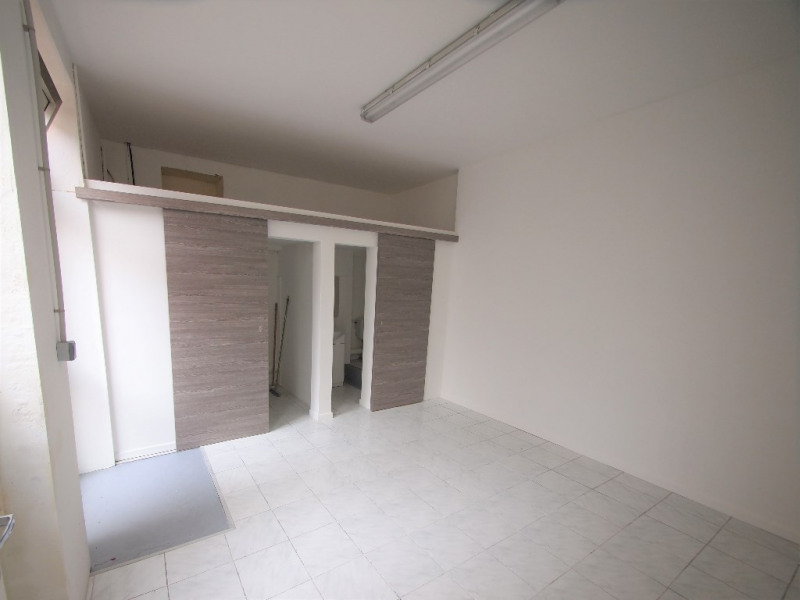 Location local commercial Nice 500€ CC - Photo 1