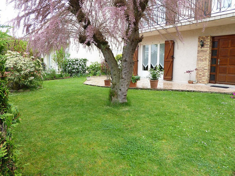 Sale house / villa Maurepas 389 000€ - Picture 1