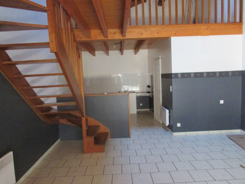 Sale apartment Aigre 66000€ - Picture 1