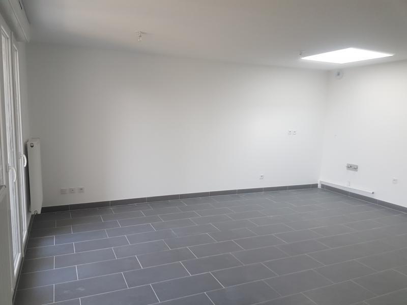 Sale apartment Rosny sous bois 275000€ - Picture 2