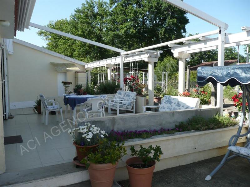 Sale house / villa St pierre du mont 175000€ - Picture 2