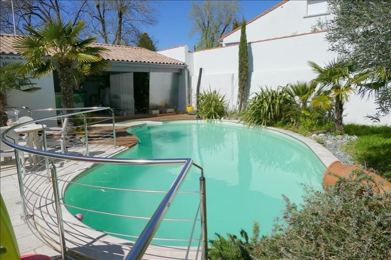 Deluxe sale house / villa Vaux sur mer 825000€ - Picture 2