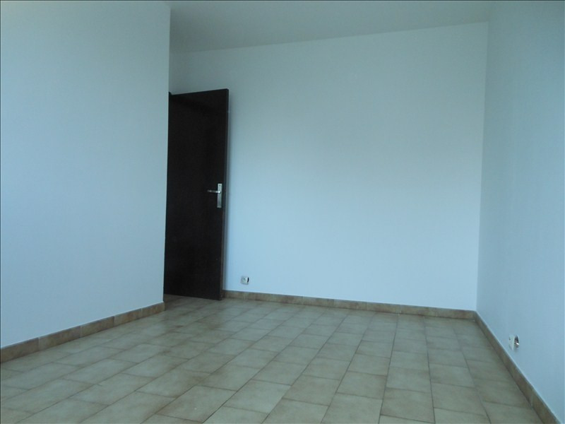 Rental house / villa Brie comte robert 1169€ CC - Picture 5