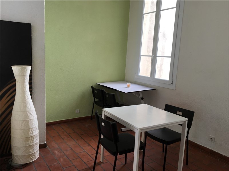 Rental apartment Aix en provence 415€ CC - Picture 2