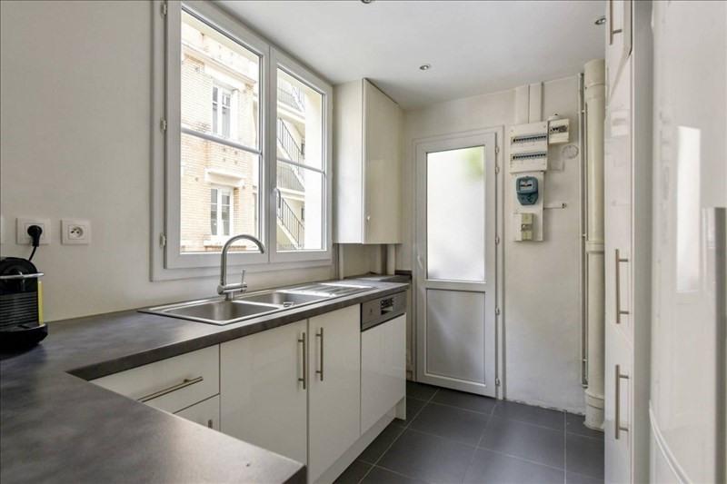 Location appartement Paris 17ème 2250€ CC - Photo 3